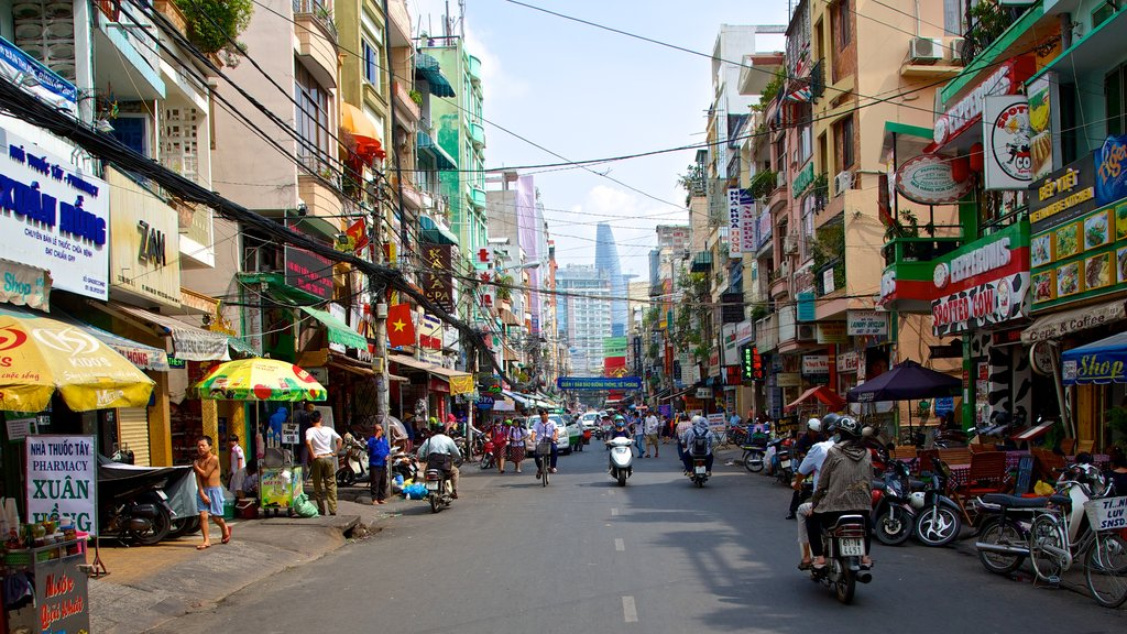 Pham Ngu Lao Street showing a city, markets and street scenes