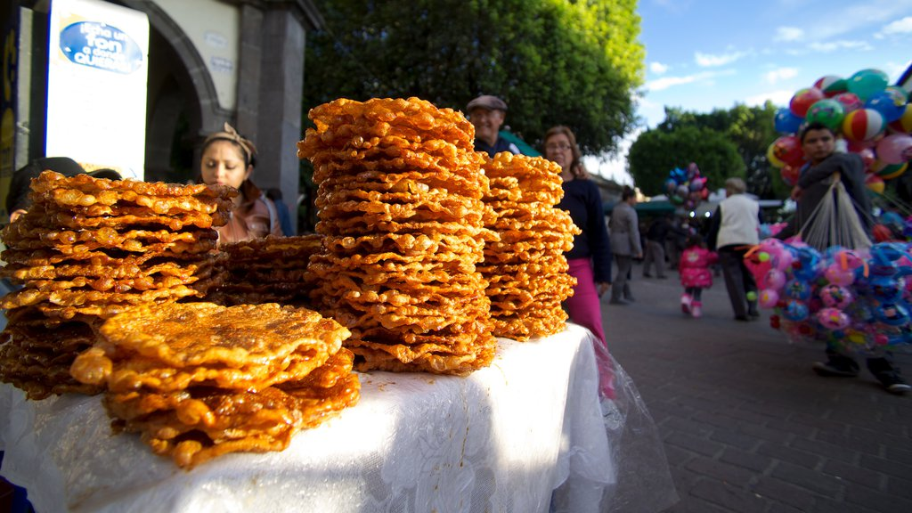 El Parian showing food and markets