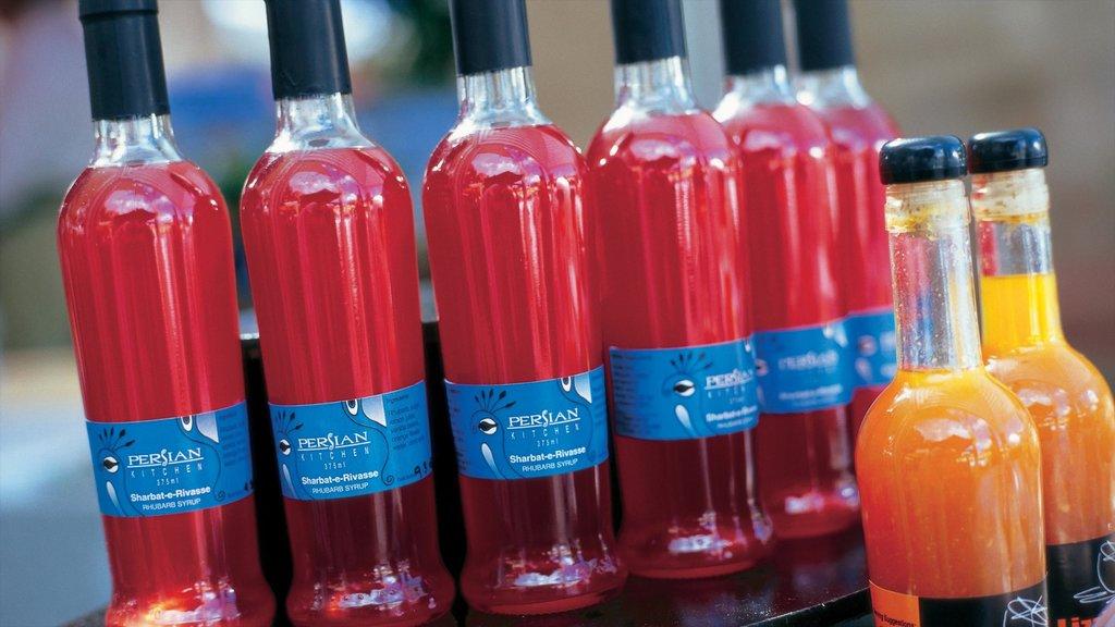 Eumundi featuring drinks or beverages