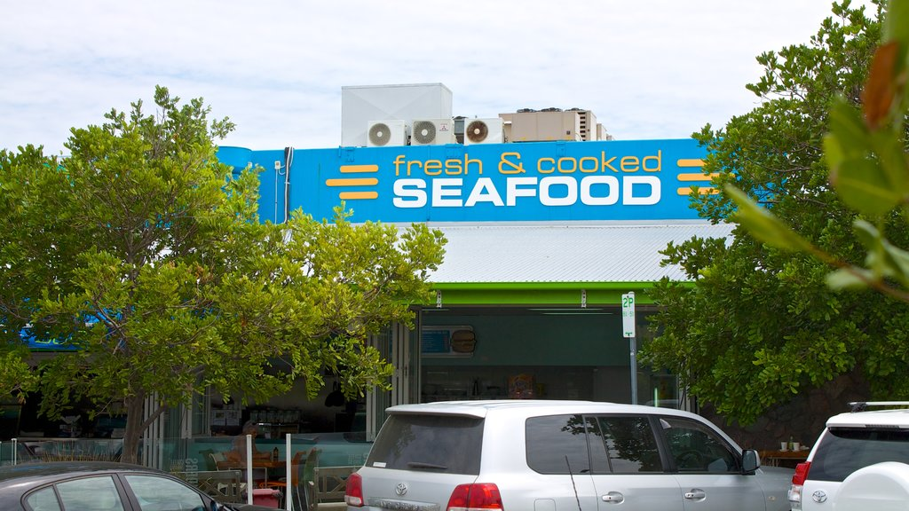 Mooloolaba which includes signage and markets