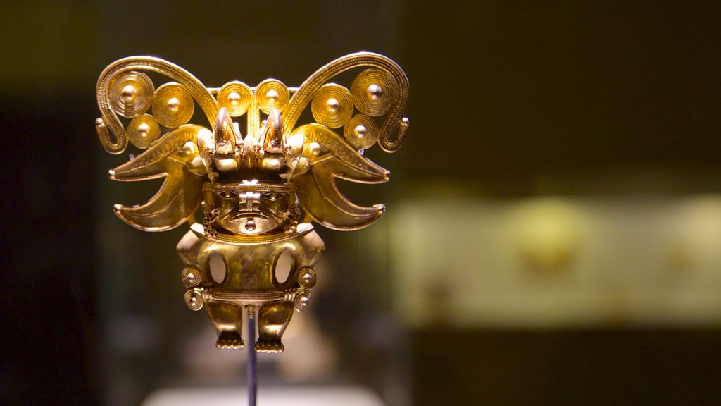 Gold Museum which includes art
