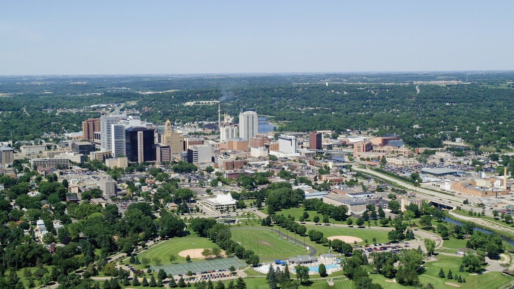 Rochester showing skyline and a city