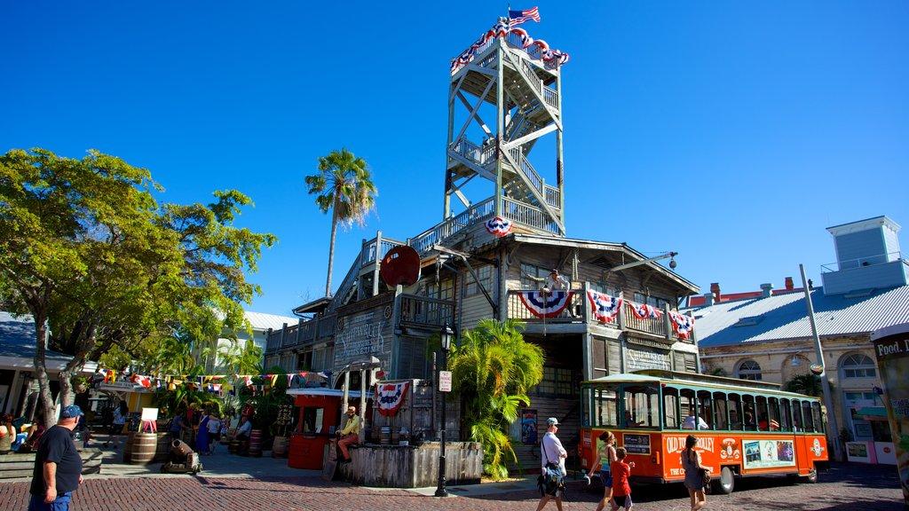 Key West Shipwreck Museum showing street scenes