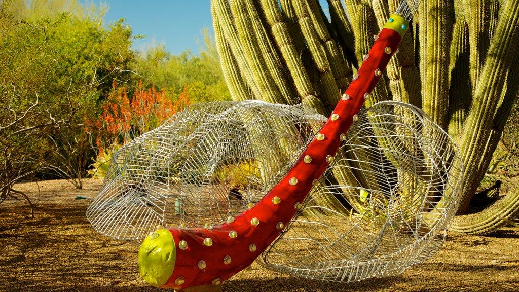 Desert Botanical Garden showing outdoor art and desert views