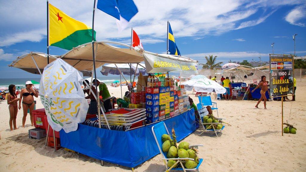Barra da Tijuca showing a sandy beach, a beach bar and food