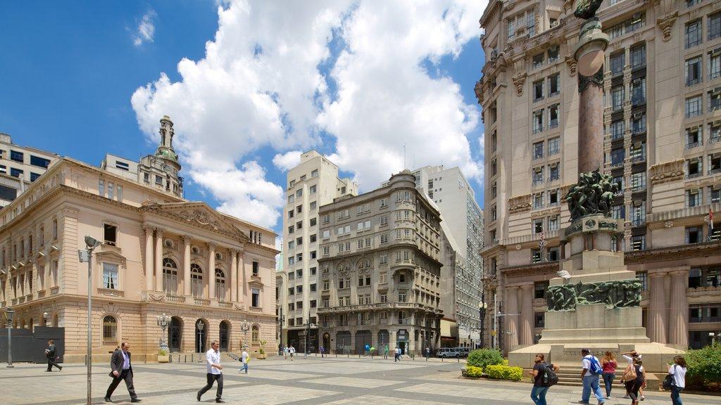 Sao Paulo mostrando patrimonio de arquitectura, un parque o plaza y una ciudad
