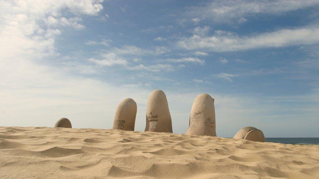 Punta del Este which includes a beach