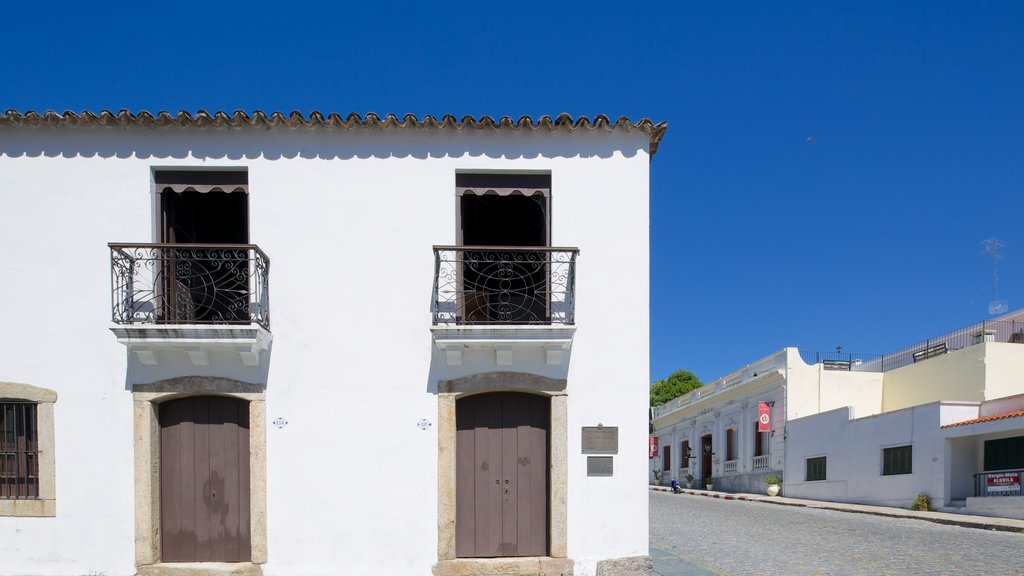 Spanish Museum featuring street scenes and a house