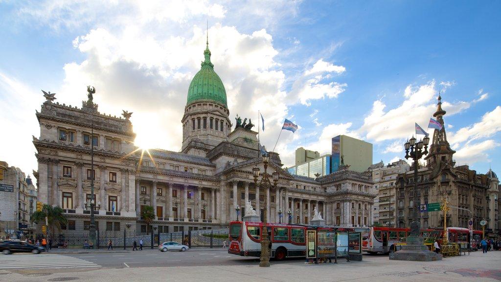Congreso Nacional Argentino que incluye patrimonio de arquitectura y un edificio administrativo