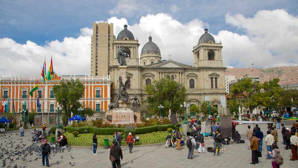 Plaza Murillo which includes heritage architecture, a square or plaza and a church or cathedral
