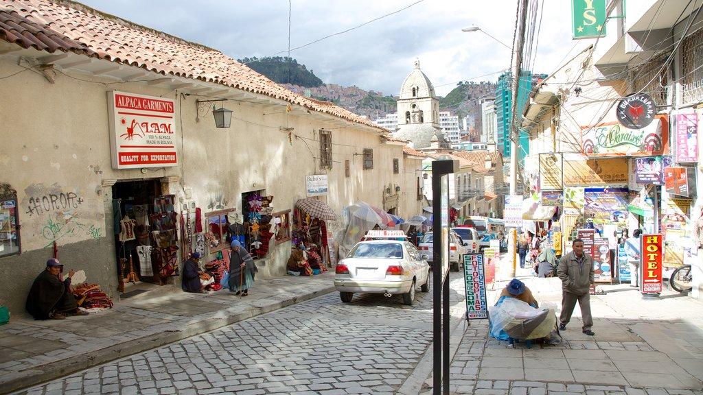 La Paz showing street scenes