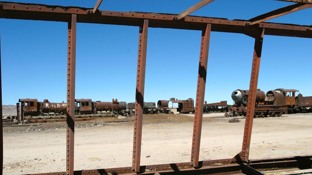 Uyuni featuring railway items and a ruin