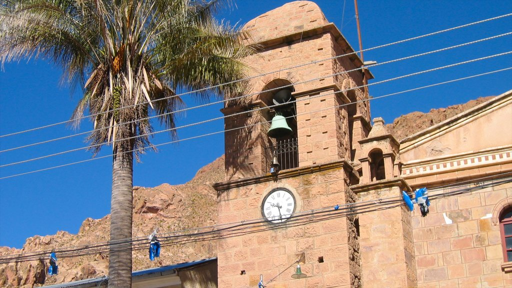 Sucre showing heritage architecture