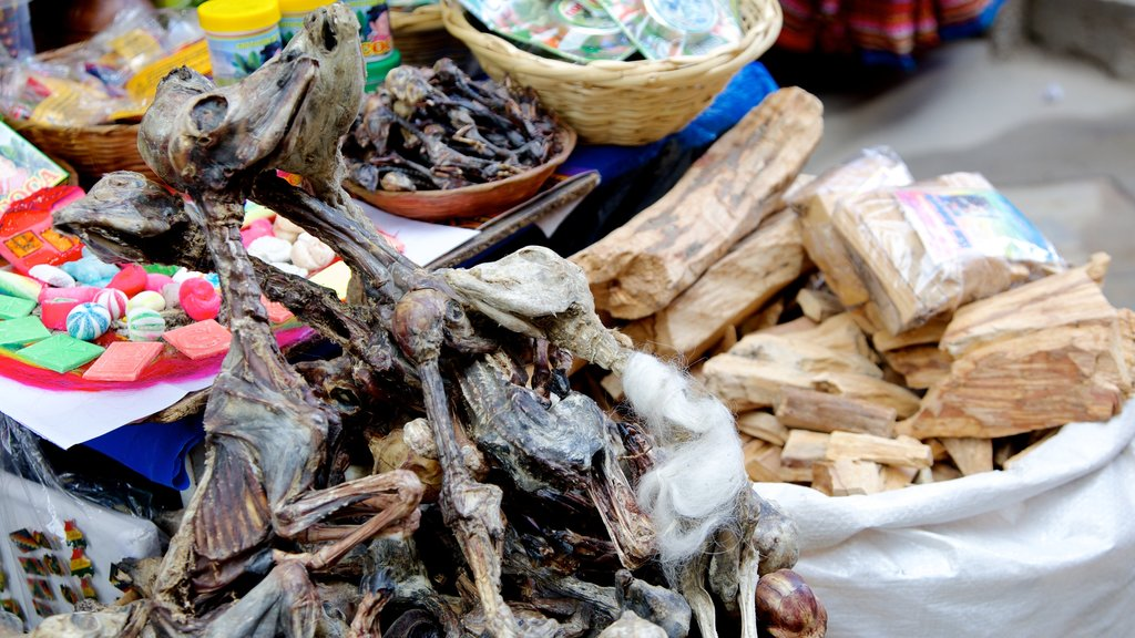Witches\' Market showing food