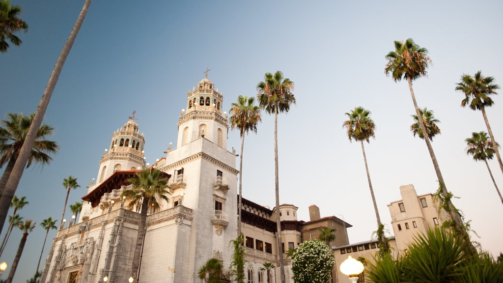 San Simeon which includes a sunset, religious elements and a church or cathedral
