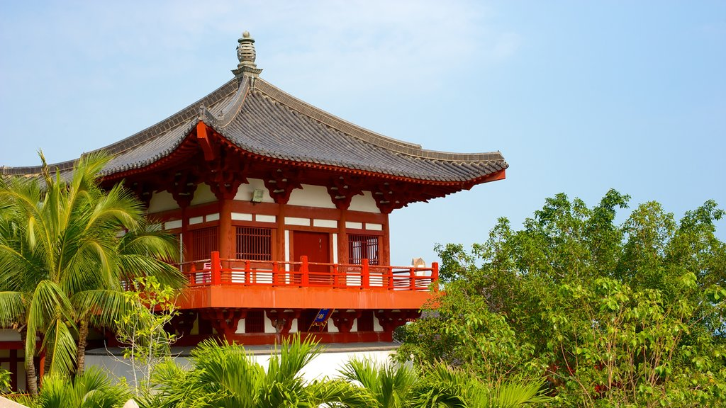 Nanshan Temple which includes a temple or place of worship and religious aspects