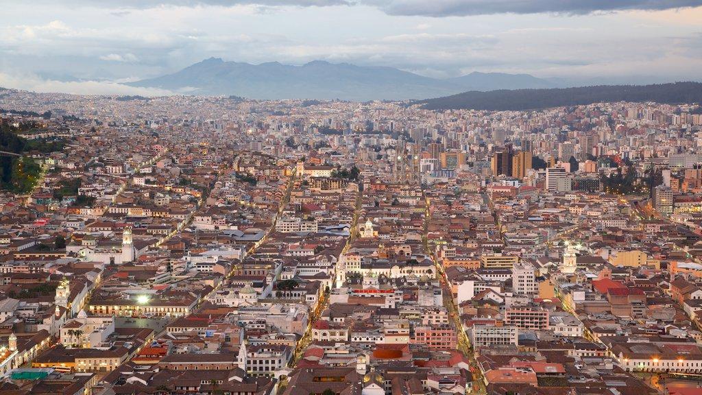 El Panecillo featuring a city