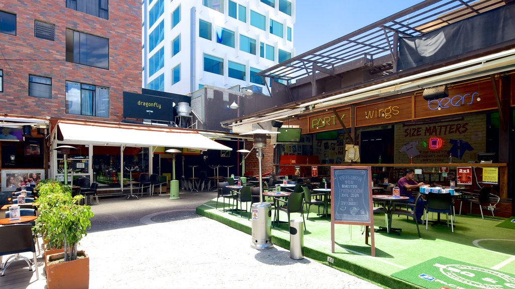 Foch Square featuring cafe scenes and outdoor eating