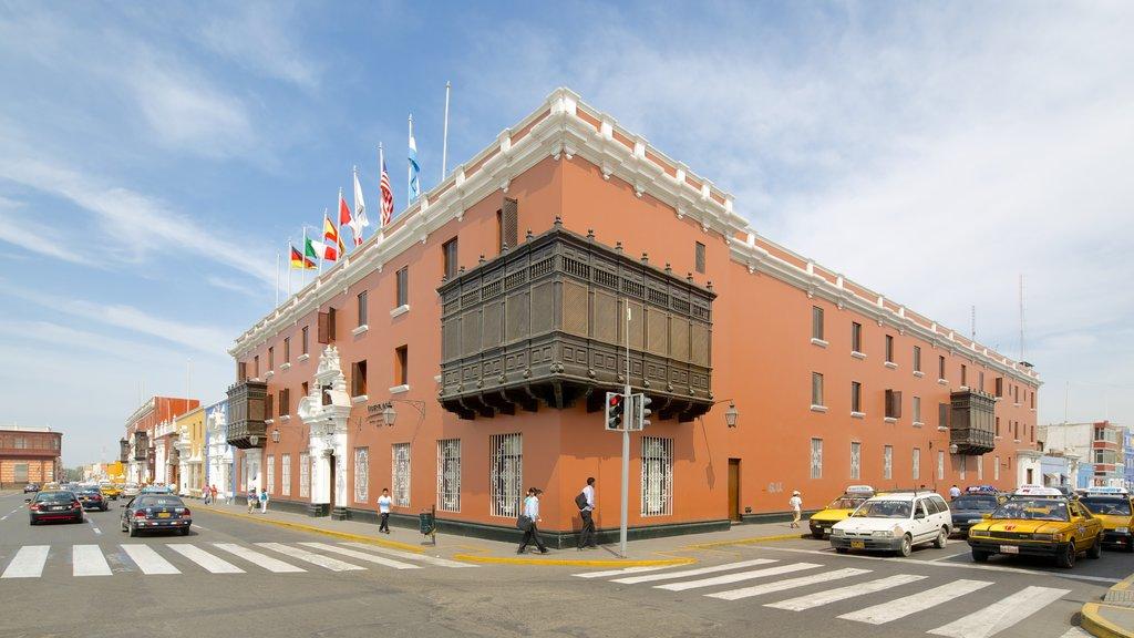 Trujillo Plaza de Armas featuring street scenes