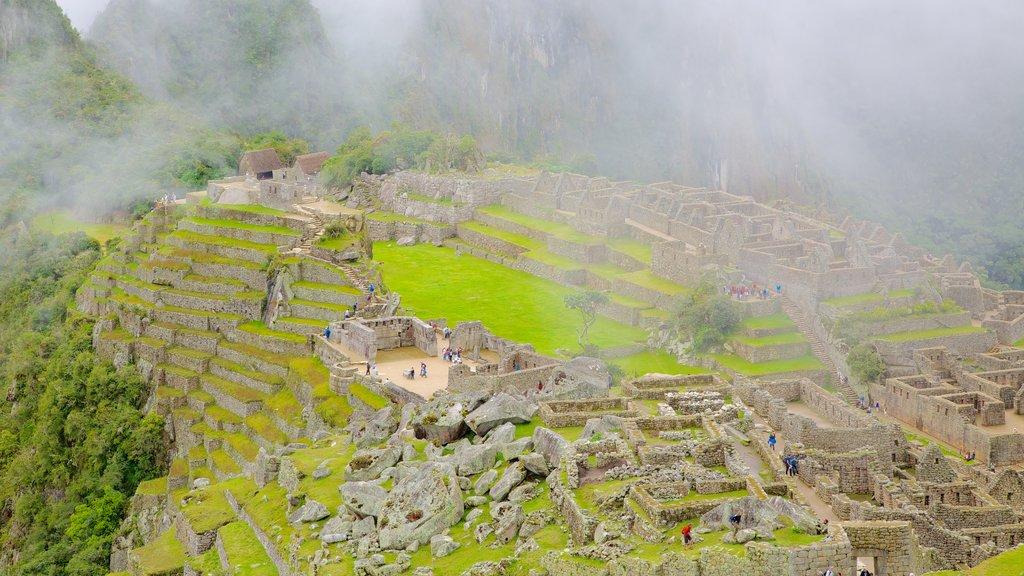 Machu Picchu mostrando ruínas de edifício