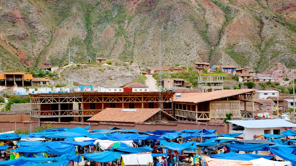 Urubamba featuring a small town or village and markets