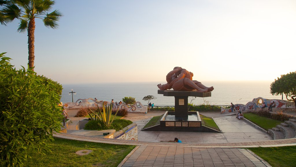 Parque del Amor which includes a square or plaza, general coastal views and outdoor art