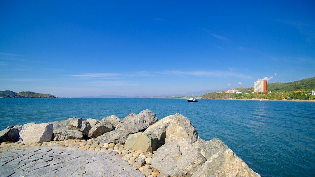 Quieta Beach featuring general coastal views