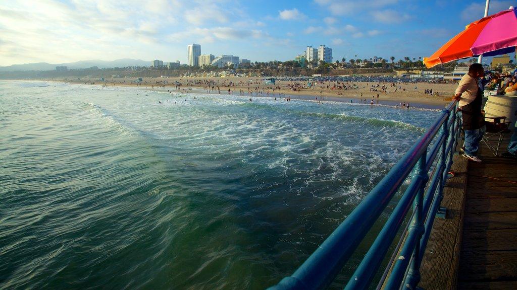 Santa Monica showing general coastal views
