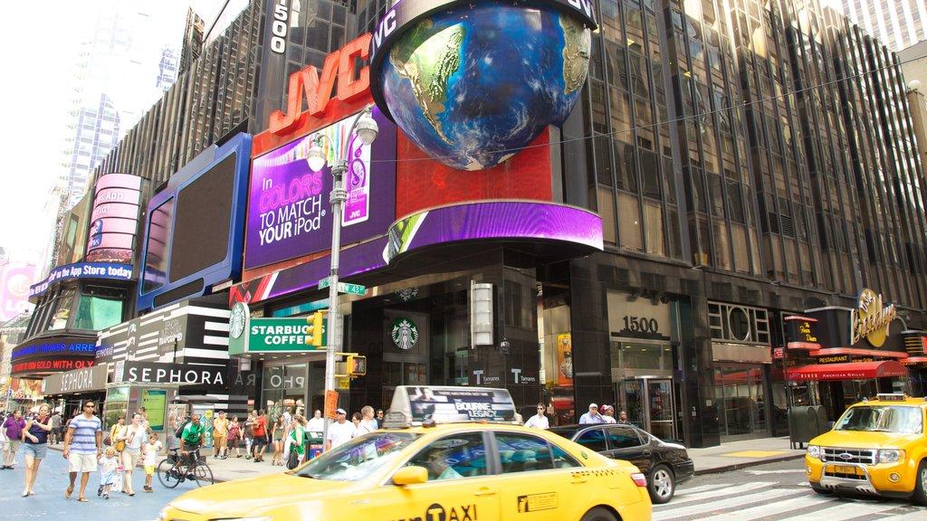 Times Square que inclui cenas de rua, paisagens da cidade e uma cidade