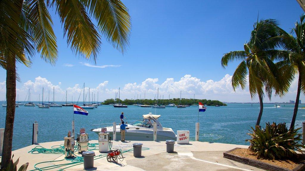 Crandon Marina showing a bay or harbor