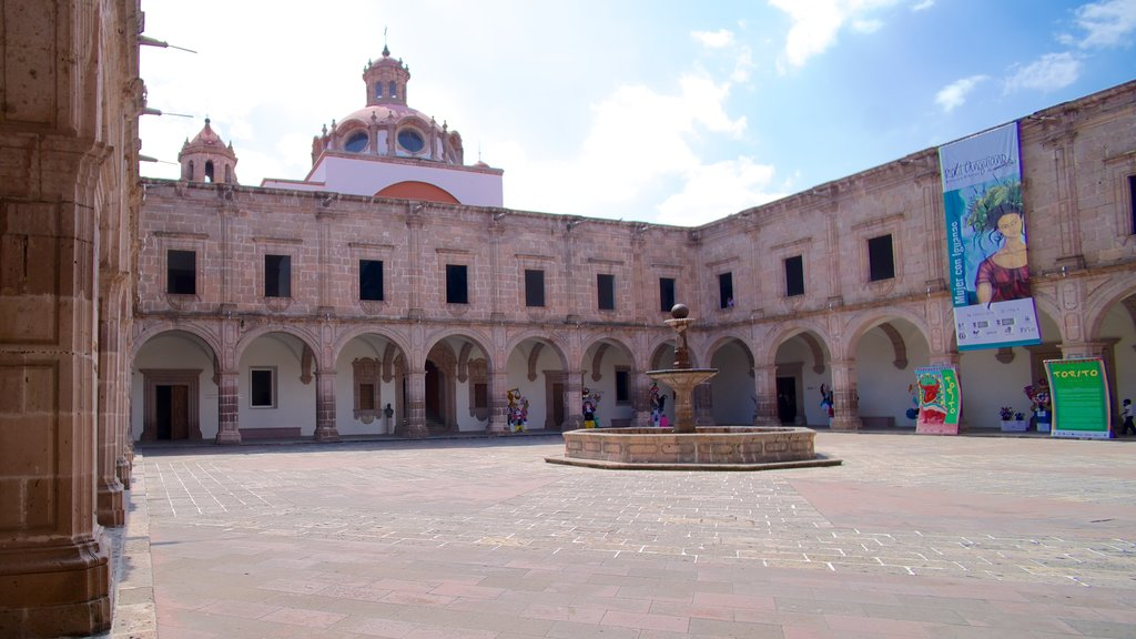 Morelia showing a square or plaza, heritage architecture and a city