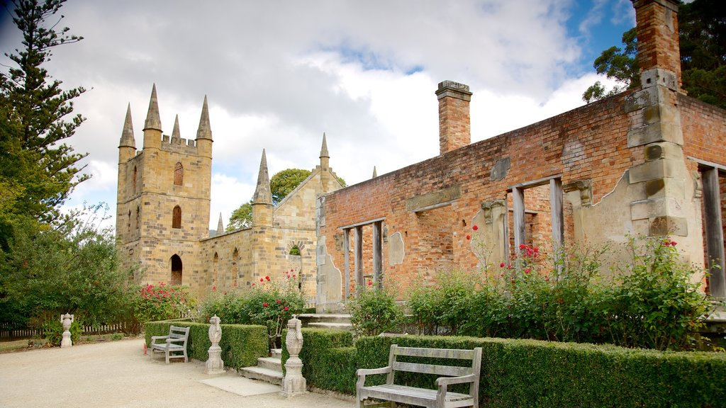Port Arthur Historic Site which includes building ruins, a castle and heritage architecture