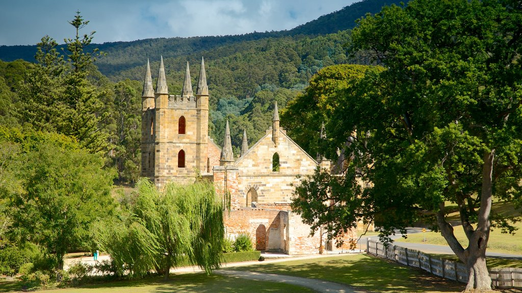 Port Arthur Historic Site showing heritage architecture and a church or cathedral