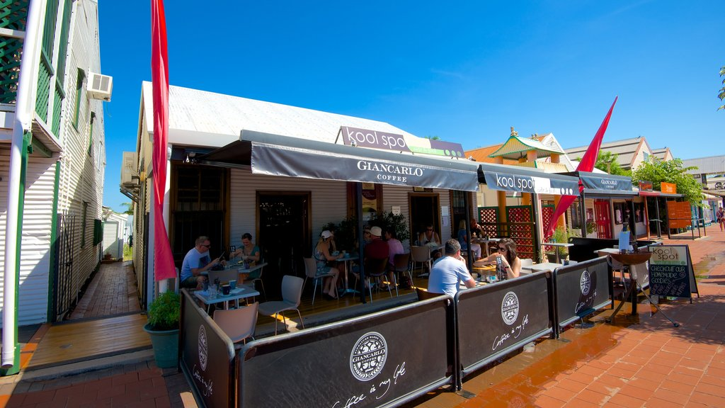 Broome which includes cafe scenes, signage and outdoor eating