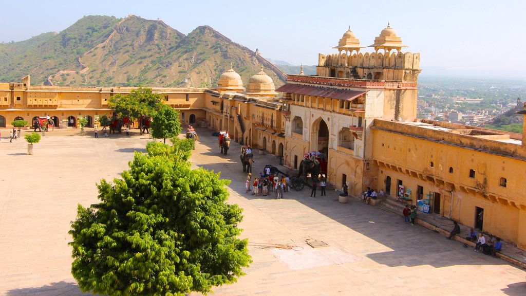 Amber Fort which includes heritage architecture