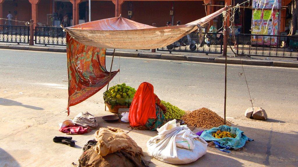 Jaipur ofreciendo mercados, una ciudad y escenas urbanas