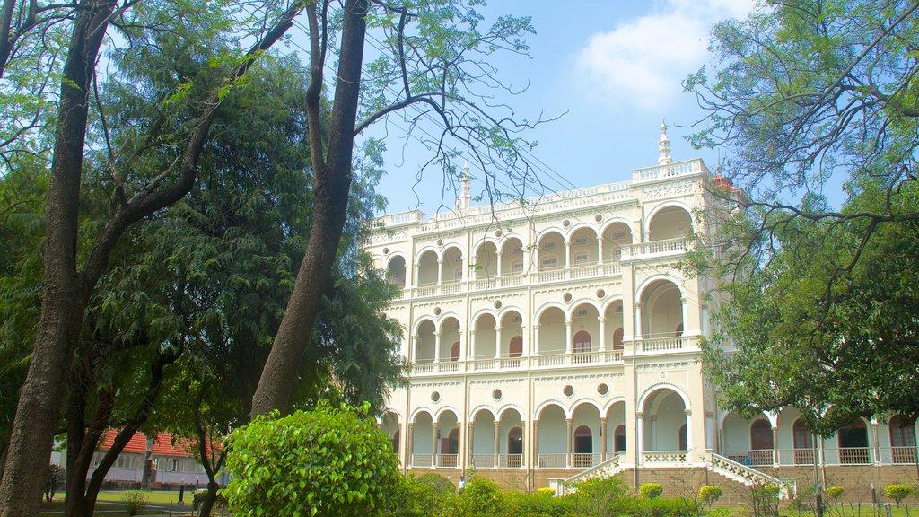 Aga Khan Palace showing a city, a park and a castle