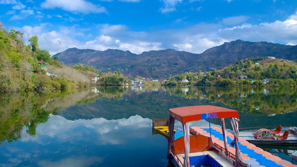 Naukuchiyatal showing mountains, a lake or waterhole and landscape views