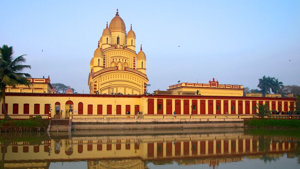Dakshineswar Kali Temple which includes a temple or place of worship, religious aspects and a city