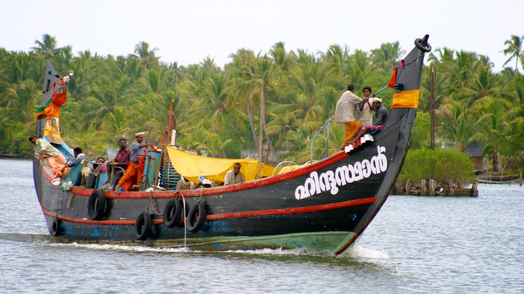 Cochin featuring boating, tropical scenes and a lake or waterhole