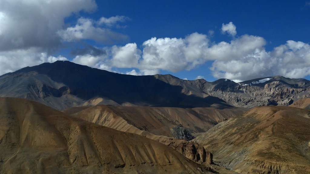 Leh which includes landscape views and mountains