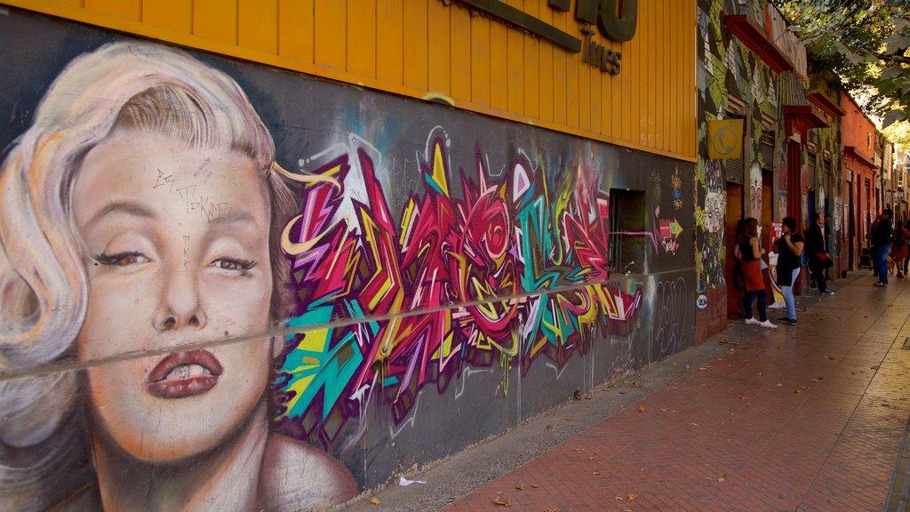 Bellavista showing street scenes and outdoor art
