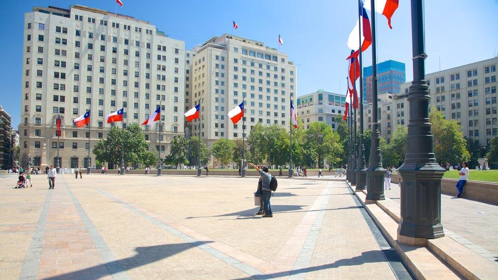 Palacio de la Moneda which includes a city and a square or plaza