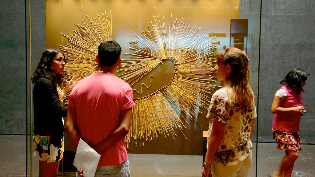 Museum of Chilean Precolombian Art showing interior views and art