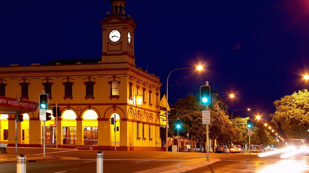 Albury featuring street scenes, a city and night scenes