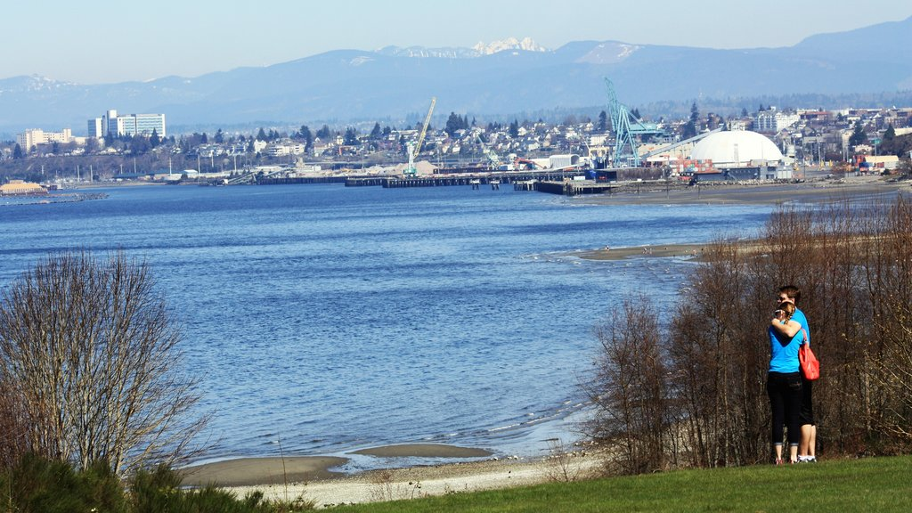 Everett showing a bay or harbor