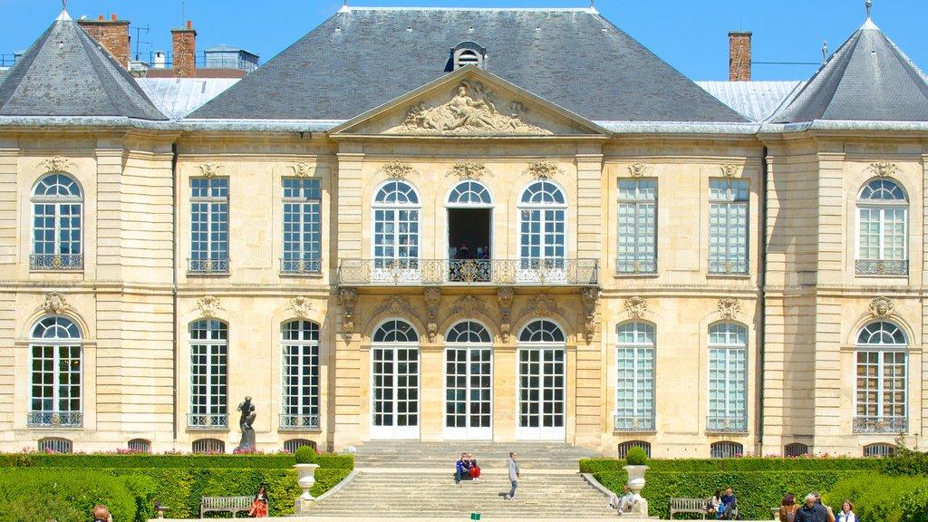 Paris showing heritage architecture