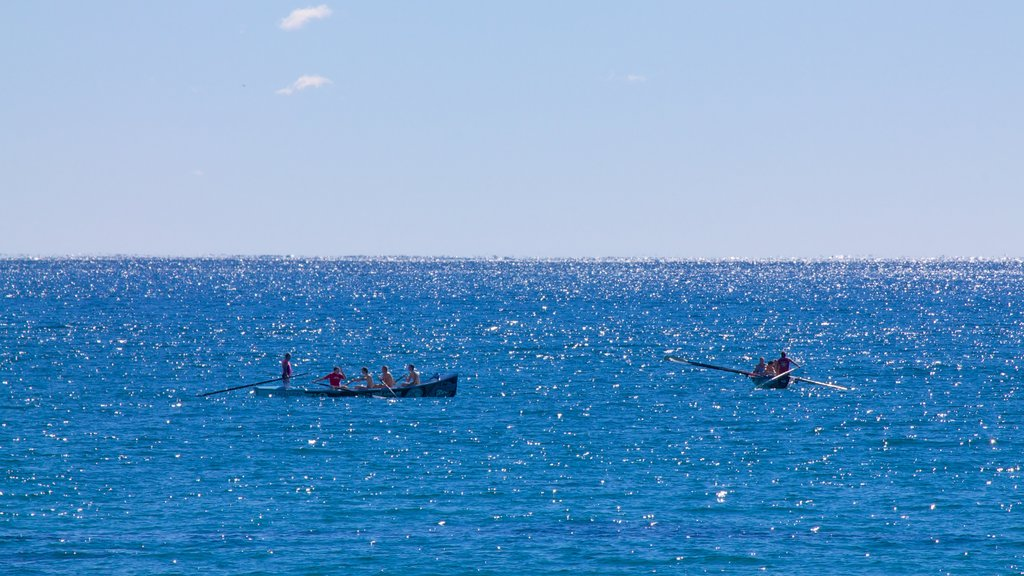 Kingscliff showing general coastal views and kayaking or canoeing