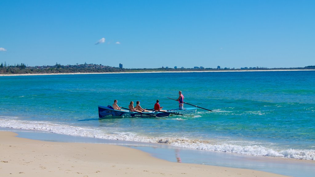 Kingscliff showing kayaking or canoeing