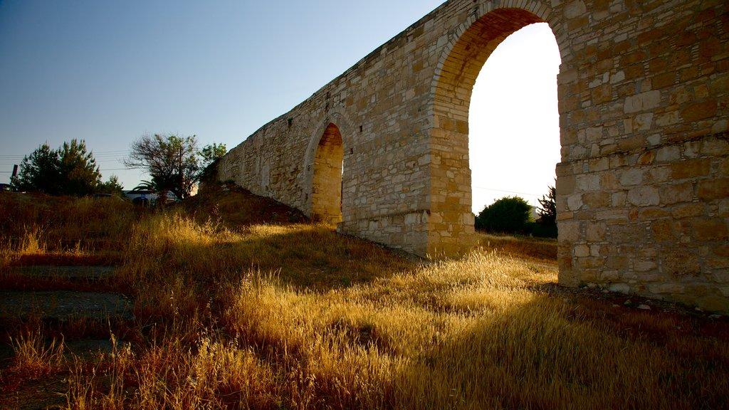 Larnaca Aqueduct featuring building ruins